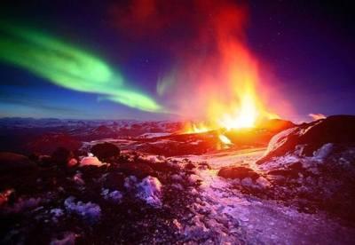 Erupción y aurora boreal